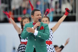 Александр Олешко во время выступления на торжественной церемонии открытия Дня города на Красной площади