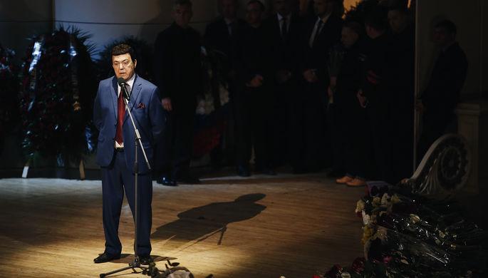 Певец и депутат Иосиф Кобзон во время церемонии прощания с Дмитрием Хворостовским в Москве, 27...