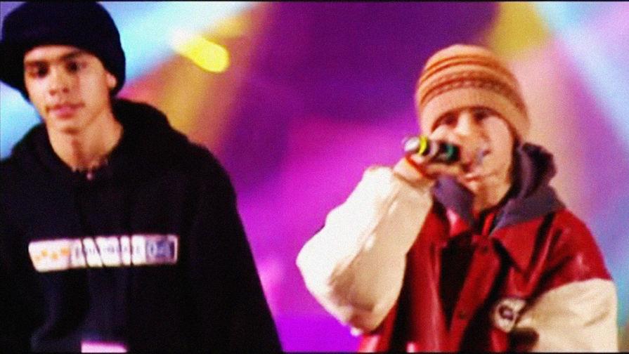 Децл и Тимати в клипе «Кто ты?», 1999 год