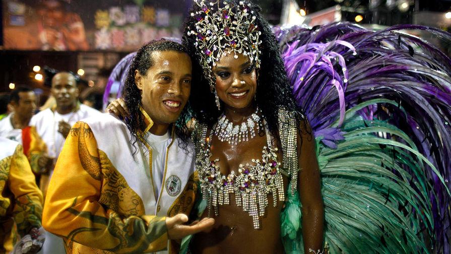 Роналдиньо на карнавале в Рио-де-Жанейро, 2011 год
