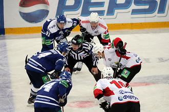 «Динамо» и «Трактор» открыли шестой сезон КХЛ