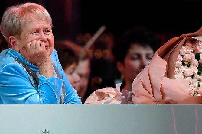 Александра Пахмутова на концерте в честь своего юбилея на сцене Большого театра России