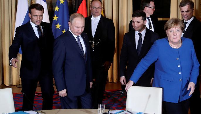 Президент Франции Эммануэль Макрон, президент России Владимир Путин, президент Украины Владимир Зеленский и канцлер Германии Ангела Меркель во время встречи в рамках саммита «нормандского формата» в Елисейском дворце, 9 декабря 2019 года