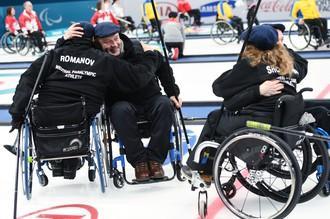 Российские паралимпийцы — керлингисты победили Финляндию