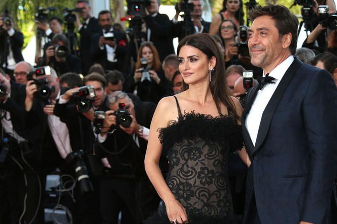 Актеры Пенелопа Крус и Хавьер Бардем. Пара в браке с июля 2010 года. У супругов есть двое детей — сын Леонардо (род. 25 января 2011) и дочь Луна (род. 22 июля 2013)