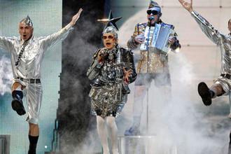 Верка Сердючка (Андрей Данилко) во время выступления на конкурсе «Евровидение» в Хельсинки, 2007 год