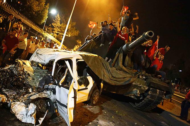 Танк в центре Анкары