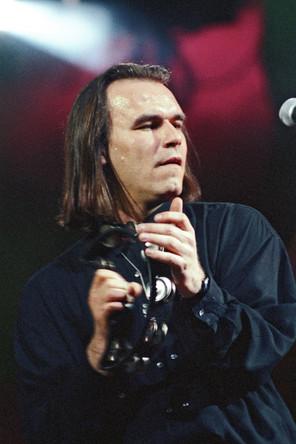 Сергей Мазаев во время концерта, 1992 год