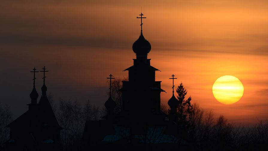 Лавров заявил о сильнейшем давлении Запада на РПЦ