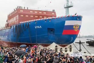 Спуск на воду атомного ледокола «Урал» в Санкт-Петербурге