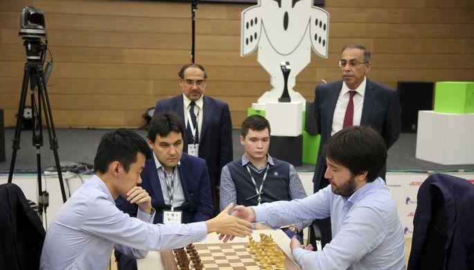 Шахматисты Дин Лижэнь и Теймур Раджабов