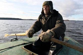 Рыбак на озере Селигер, 2006 год