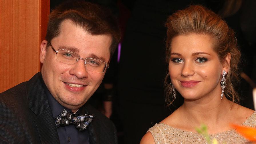 Актеры Гарик Харламов и Кристина Асмус на церемонии награждения «Прорыв года-2013»