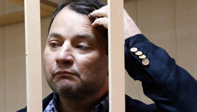 Юрий Итин перед рассмотрением ходатайства об аресте в Пресненском районном суде, 25 мая 2017 года