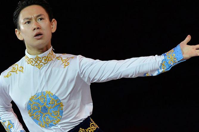 Казахстанский фигурист Денис Тен во время показательного выступления на Олимпиаде в Сочи, 2014 год