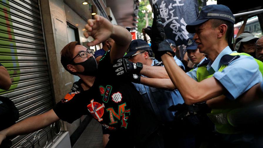МИД КНР: Пекин намерен дать ответ на санкции США из-за ситуации в Гонконге