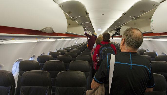 Старики и дети: как быстрее заполнить самолет