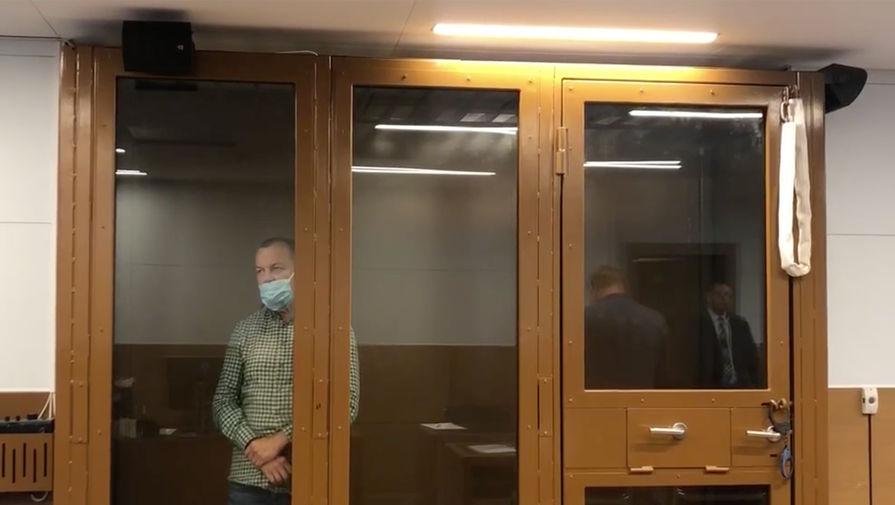 Обвиняемого в торговле детьми Сергея Мазура отправили под домашний арест