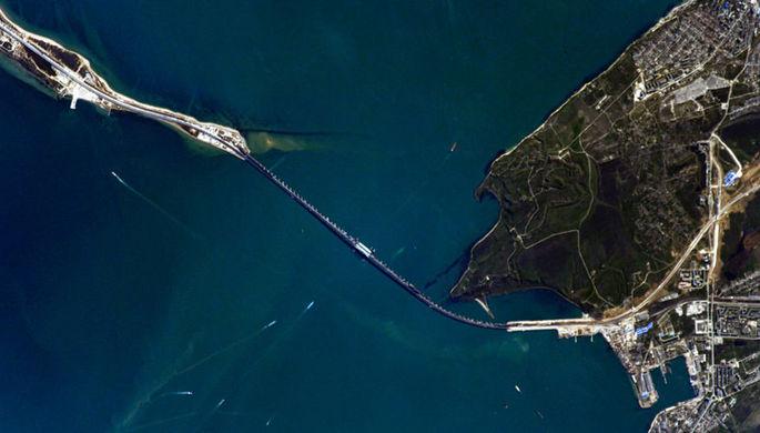 Вид на Крымский мост с МКС, 24 апреля 2018 года