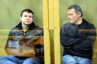 Сергей Цапок (слева) и Игорь Черных, обвиняемые по делу об убийстве 12 человек в станице Кущевская