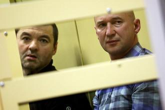 Лидеры ореховской преступной группировки Дмитрий Белкин и Олег Пронин (слева направо), обвиняемые в создании преступного сообщества и массовых убийствах