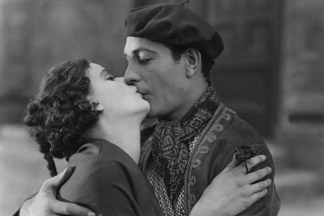 Кадр из фильма «Поток» (1926)