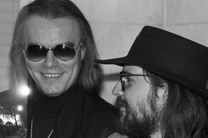 Лидеры рок-групп «Кроссроудз» и «Моральный кодекс» — Сергей Воронов и Сергей Мазаев, 1992 год