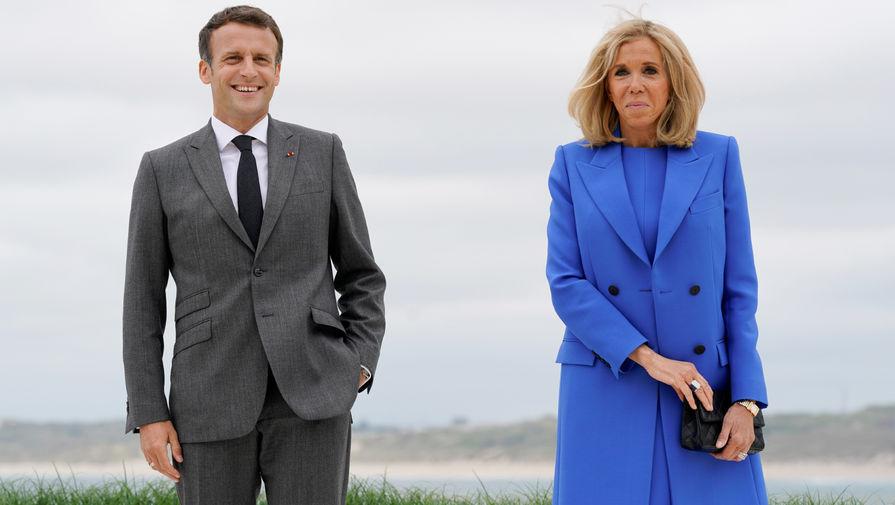 Президент Франции Эммануэль Макрон c женой Брижит на саммите G7 в Корнуолле