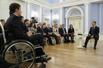 Президент РФ встретился с представителями Общественного комитета