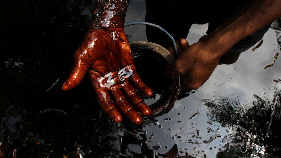 Цена нефти Brent рухнула ниже $64 за баррель