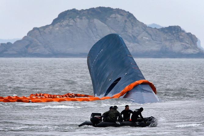 Поисково-спасательные работы после крушения парома «Севоль», 17 апреля 2014 года
