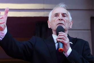 Народный артист СССР Василий Лановой во время праздничного концерта на Арбате в честь закрытия 97-го сезона Государственного академического театра имени Вахтангова, август 2018 года