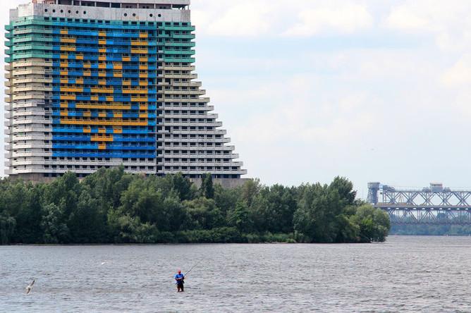 Недостроенная гостиница «Парус» в Днепропетровске, 2014 год
