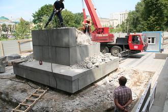 Забрав «на реставрацию» обелиск из Александровского сада, вернуть собираются, похоже, совсем другой объект