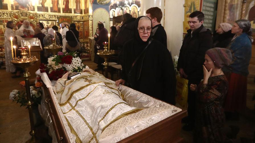 Во время церемонии прощания с протоиереем Всеволодом Чаплиным в храме преподобного Феодора Студита у Никитских ворот, 29 января 2020 года