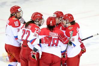 Студенческая женская сборная России по хоккею мощно начала Универсиаду