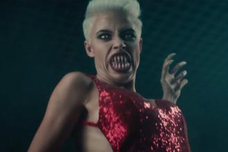 Кадр из клипа «Золота» группы «Ленинград»
