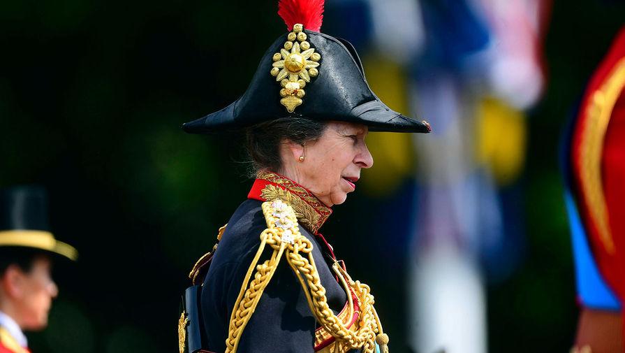 Принцесса Анна во время Церемонии выноса знамени в Лондоне, июнь 2019 года