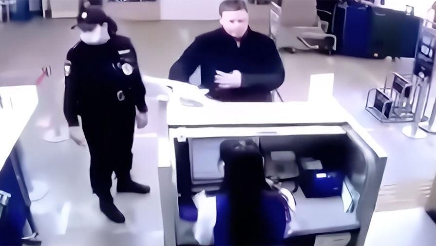Заместитель главы Минпромторга России Дмитрий Овсянников в аэропорту Ижевска