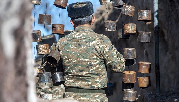 Военнослужащий на армяно-азербайджанской границе