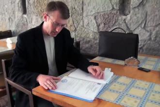 Директор Дома творчества писателей в поселке Комарово Борис Островский