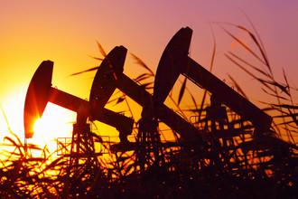 Новые санкции могут лишить финансирования нефтяную отрасль