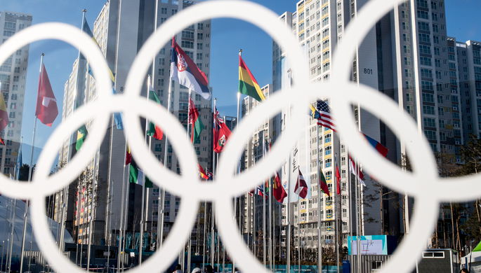 Олимпийская чемпионка вышла к журналистам в маске из-за отсутствия макияжа