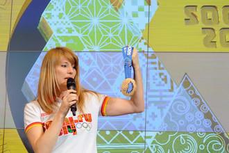 Светлана Журова представляет олимпийские медали Сочи