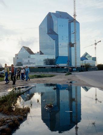 Здание делового центра «Зенит» на проспекте Вернадского в Москве, 1995 год