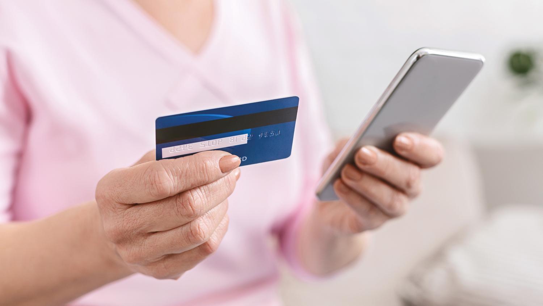 Мошенники освоили новый способ кражи денег с банковских карт - Газета.Ru