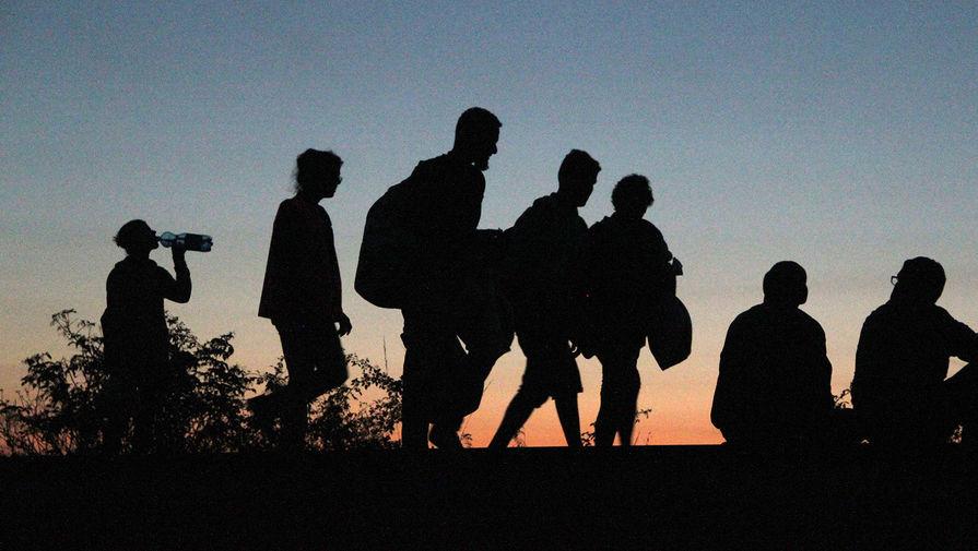 """Австрия отказалась принять беженцев из сгоревшего лагеря """"Мориа"""""""
