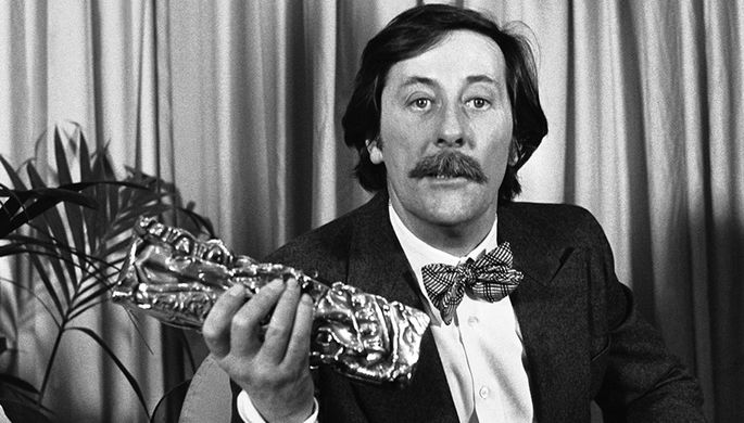Жан Рошфор с наградой премии «Сезар», 1978 год