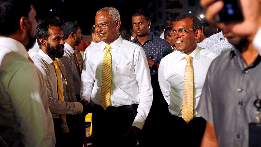 Бывший президент Мальдив ранен при взрыве в столице страны