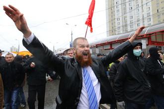 Лидер «Славянского Союза» Дмитрий Демушкин на «Русском марше» в Москве